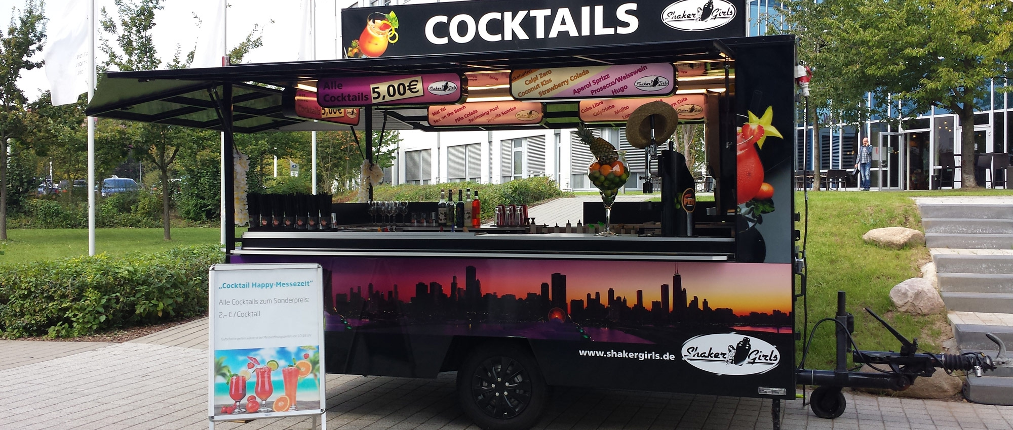 Shaker Girls – Mobiler Cocktailwagen
