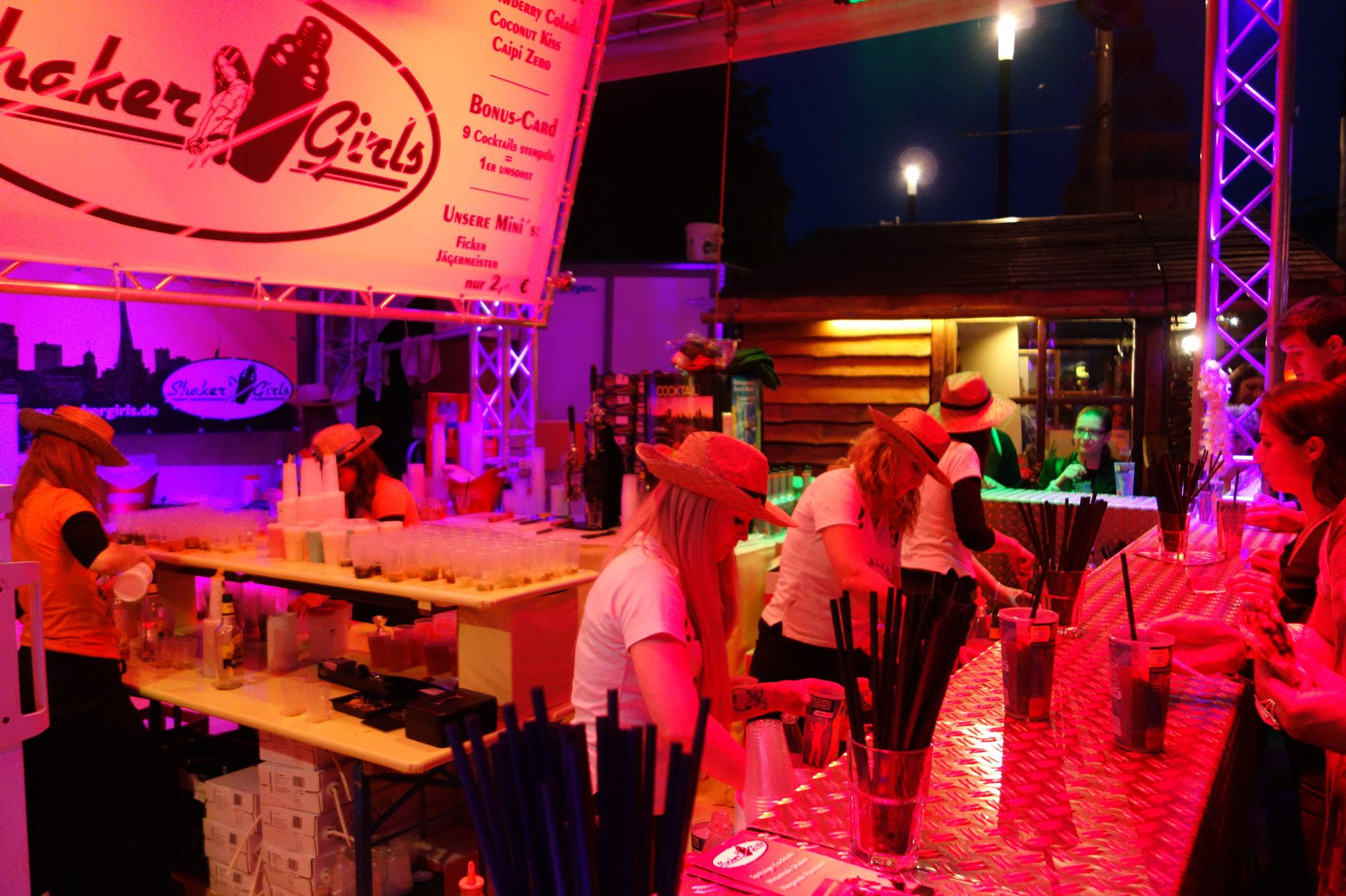 Shaker Girls – Outdoor Bar